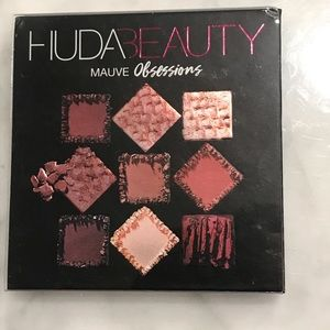 Huda Beauty Mauve Obsessions, Never used.